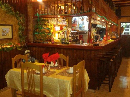 El Rincon Canario: Bar view