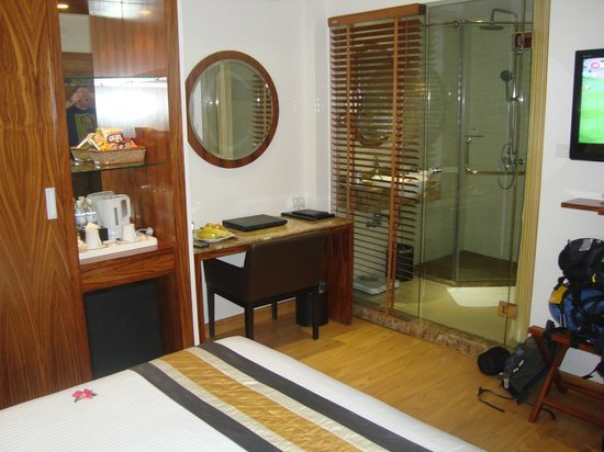 Hanoi Elite Hotel:                   Upgraded room 2nd part of the stay