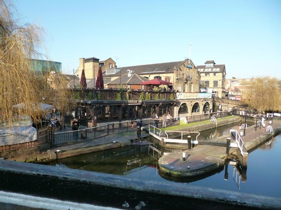 Holiday Inn London - Camden Lock:                   Across the lock from the hotel