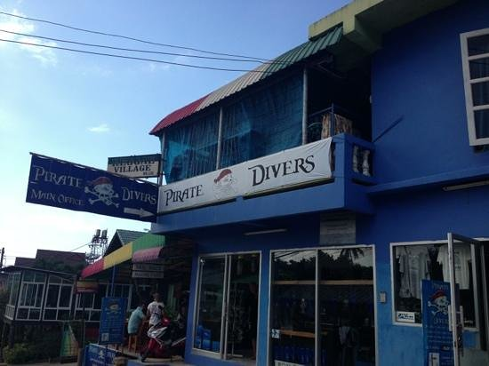 Pirate Divers:                   Best diving school in Thailand! Ask for moikku to get the best under water exp