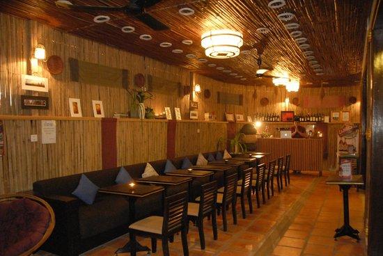 Salasara Hotel:                   Lobby