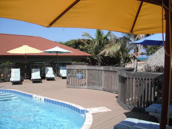 Seashell Suites Resort: Pool Deck
