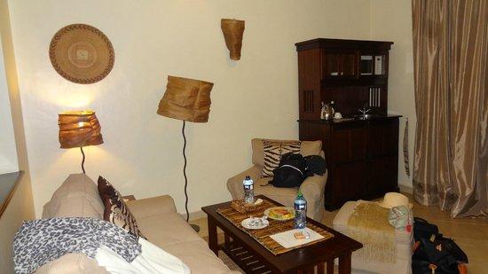 Palacina Residence & Suites:                   Salon de la chambre.