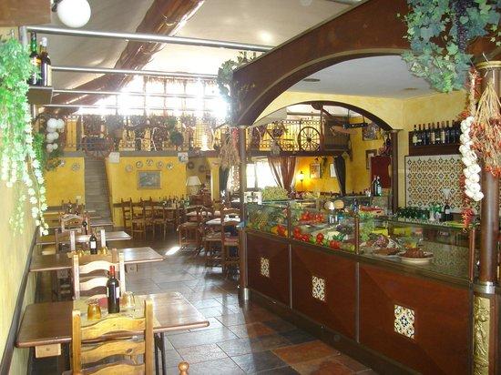 เซสโตฟิโอเรนติโน, อิตาลี:                                     Osteria Ciccio Pennello
