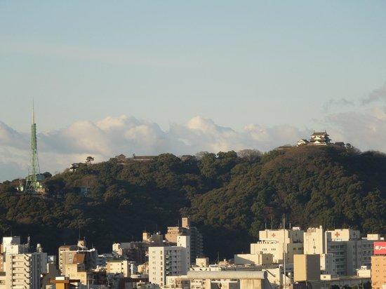 Hotel Kowakuen:                   松山城の眺めが良く
