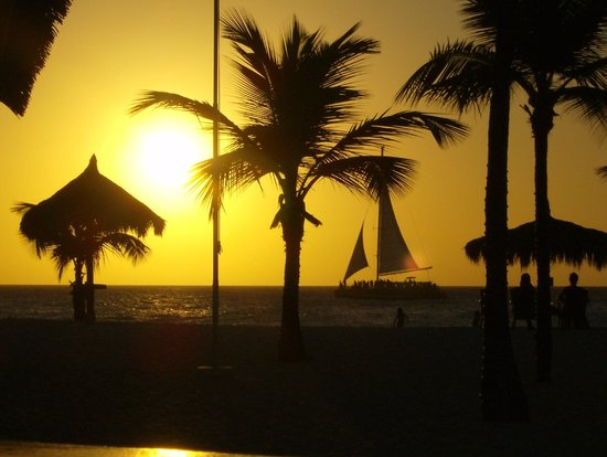 Manchebo Beach Resort & Spa:                   Zonsondergang