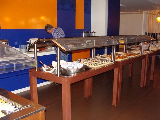 Novotel Dakar:                   El Desayuno Bufet