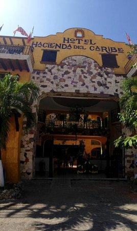 Hotel Hacienda del Caribe:                   façade de l'hotel