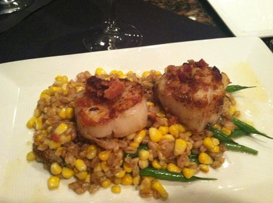 Sweet Melissa's Cafe:                   petite plate of scallops at Sweet Melissa's
