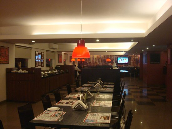 Red Fox Hotel Jaipur :                   Cafe