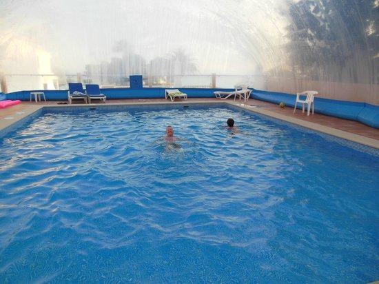 Apartamentos do Parque :                   Covered pool