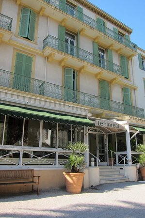 Hotel Le Floreal:                   front view
