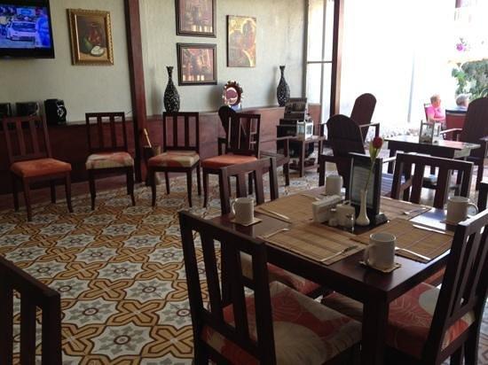 Hotel Liberia:                   area comedor