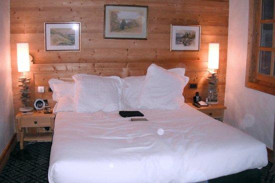 Chalet du Mont d'Arbois :                   Bed in room #28