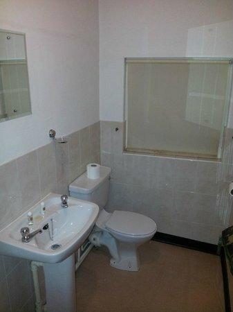 Black Bull :                   Shower room