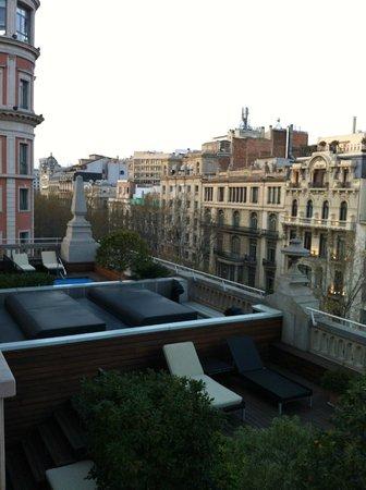 Hotel 1898:                   terrazza dell'albergo vista dalla finestra