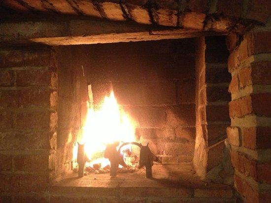 Romantik Hotel U Raka:                   heartwarming Fireplace