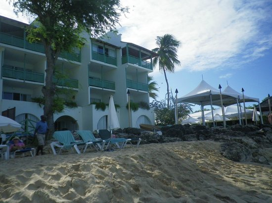 Mango Bay All Inclusive:                   Our room - top 2 balconies on right
