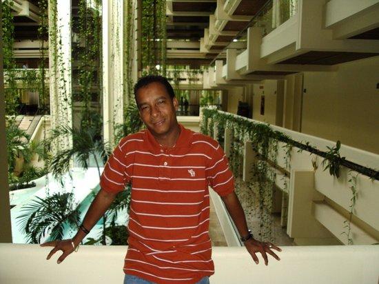 Paradisus Cancun:                   En los pasillos de la Habitacion