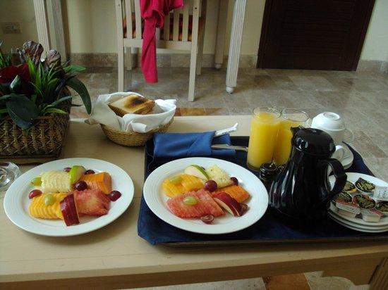Paradisus Cancun:                   Un desayuno Fino                 