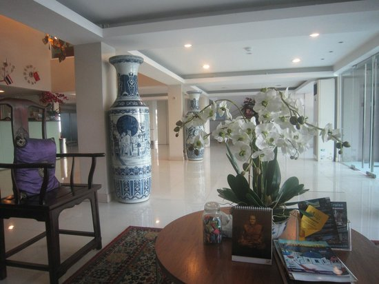 Bangkok Loft Inn:                   Reception Area