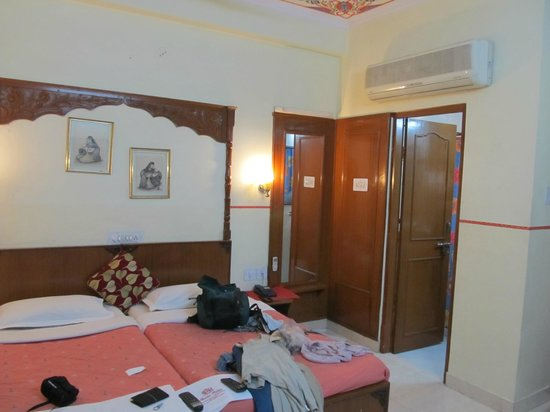 Sunder Palace Guest House:                   Chambre