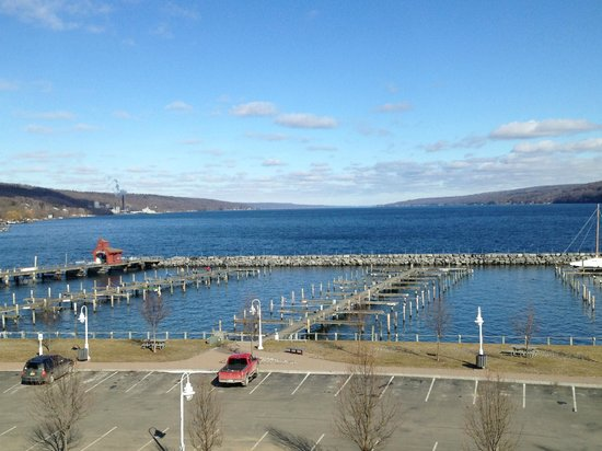 Watkins Glen Harbor Hotel:                   Winter morning view of Lake Seneca from our room