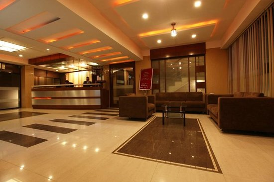 Hotel Accolade: RECEPTION