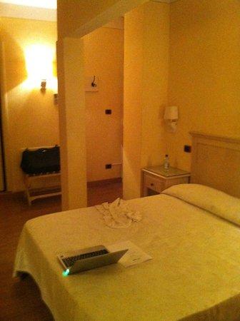 Hotel Porta San Mamolo:                   camera matrimoniale
