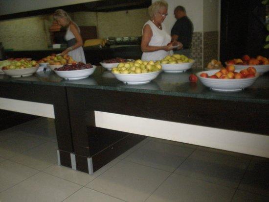 Sural Resort:                   Kącik owocowy