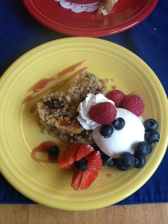 Romantic Riversong Bed and Breakfast Inn :                   Delicious breakfast made by Blanca!