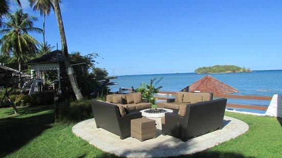 Sandals Halcyon Beach Resort:                   foyer pour après souper