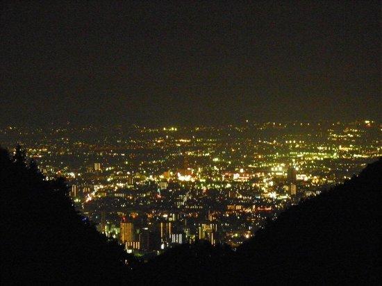 Zaboan:                   甲府盆地の夜景
