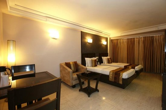 Hotel Accolade: DELUXE ROOM
