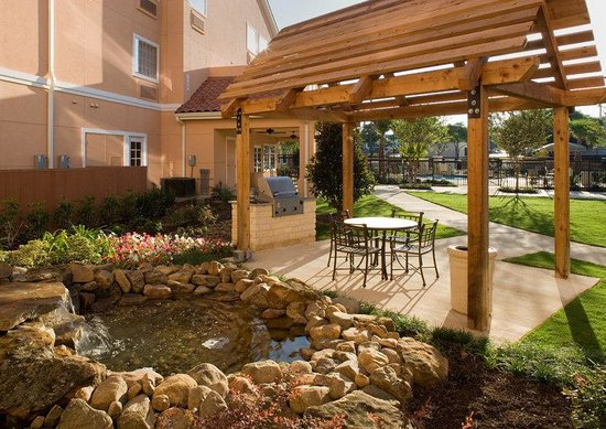 TownePlace Suites San Antonio Northwest: BBQ Area