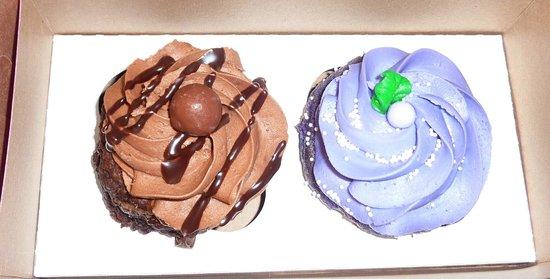 Dreamcakes: Chocolate High & Grapico Cupcakes