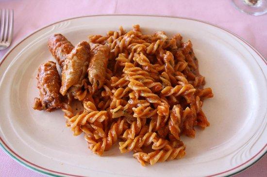Il Nettuno :                   spaghetti and sausage...NOT!!!