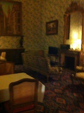 Hotel France et Chateaubriand: Un des salons du rez-de-chaussée