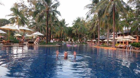 Katathani Phuket Beach Resort:                   The pool is cool