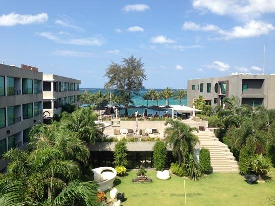 B-Lay Tong Phuket :                   The view from room 345