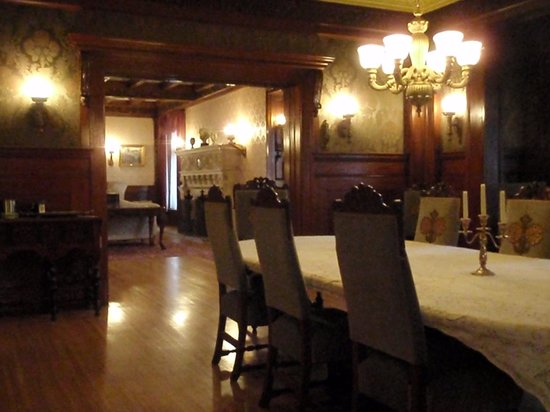 Cotton Mansion:                   The dining room
