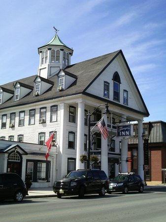 Thayers Inn:                   The hotel