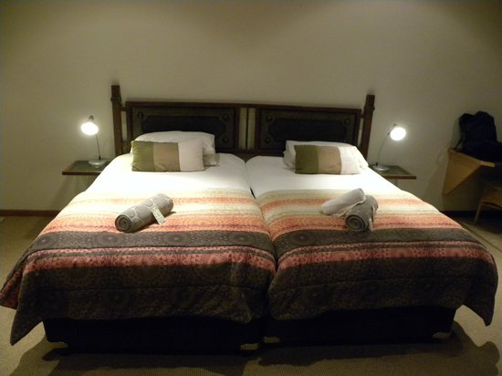 Out of Africa Town Lodge: Une chambre