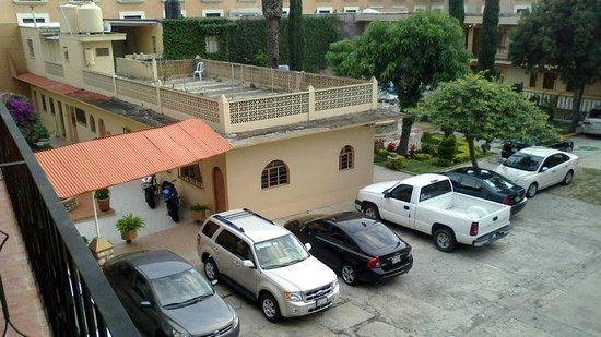 Apartments Villa de Campo:                   Parking lot... mess