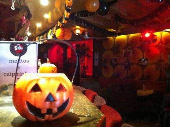The Soho Bar: Halloween in Soho, scary fun!!!