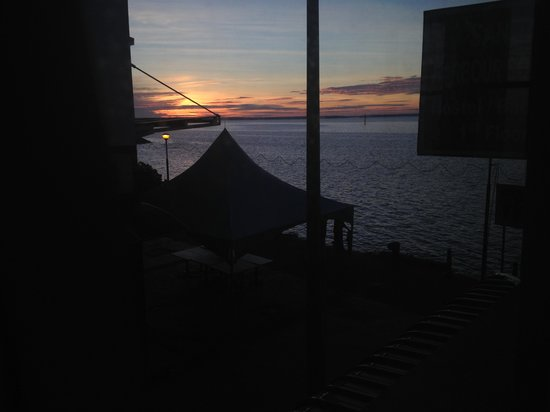 Bunibon Backpackers :                                     Sunrise from the window