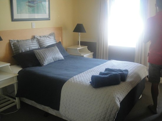 Albany Harbourside Apartments and Houses:                   Bed                 