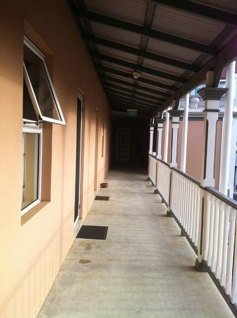 Albany Harbourside Apartments and Houses:                   Corridor