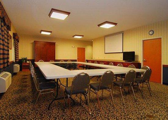 Comfort Suites St.Joseph / Stevensville: conference room