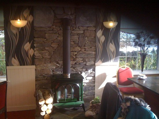 Rowardennan Hotel:                   cosy dinning